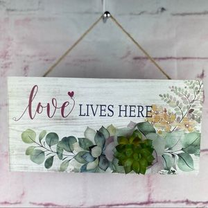 """Wall Plaque Succulent Design """"love lives here"""""""